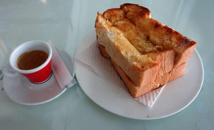 Torrada de pão de forma, como ela deve ser