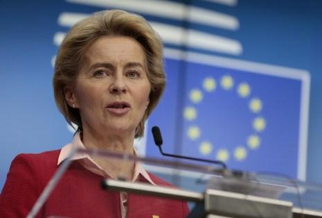 Texto 12 Comissão Europeia são disponibilizados 100 mil milhões de euros 1