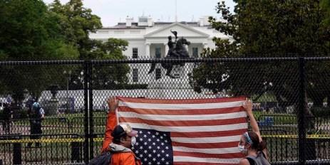 Eleições presidenciais em Novembro 7 I Buruma Um outro longo e quente Verão na América 1
