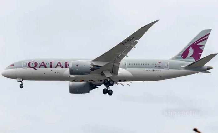 qatar dreamliner ktm