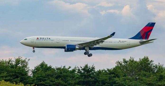 hartsfield jackson atlanta international airport delta approaching aviatechchannel