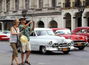US tourists should continue visiting Cuba despite the travel ban 1