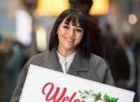 Martine McCutcheon surprises passengers at Heathrow with a Love Actually moment 3