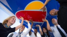 'ProfitSharing Day': Southwest Airlines employees receive $543 Million 24