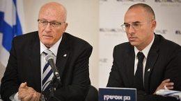 El Al airline sues its own Israel government 17