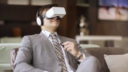 Etihad Airways Virtual Reality Technology and how it will be used? 1