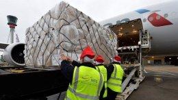 British Christmas joy shipped to the world via Heathrow Airport 14