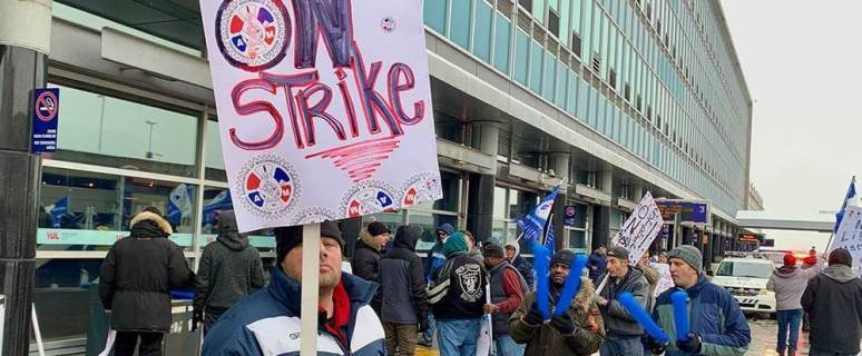 Swissport workers go on strike at Montréal airports 1