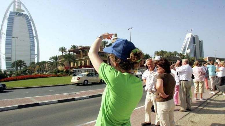 What crisis? Russian tourists not canceling their Middle East trips 1