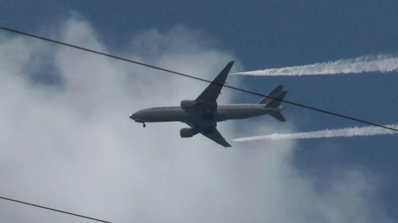 17 Children Injured When Boeing 777 Dumps Fuel on School Playground 1