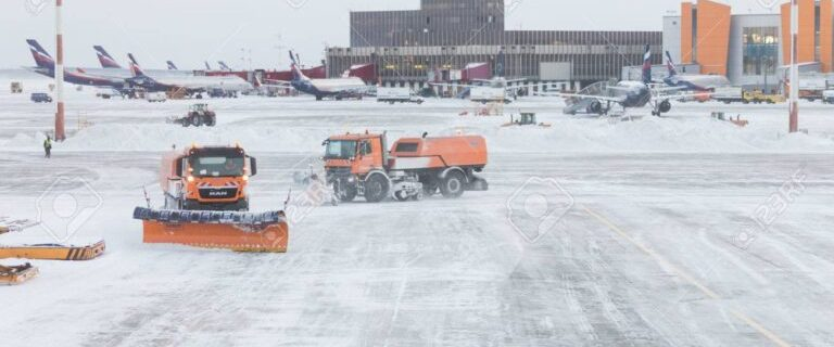 Moscow airports: Three flights cancelled, over 50 flights delayed due to snowstorm 11