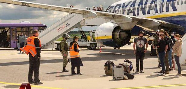 EU to ban Belarusian airlines after Belarus hijacks Ryanair plane 32