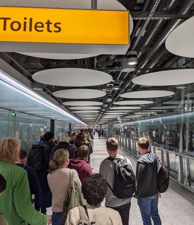 Heathrow chaos: Huge crowds overwhelm understaffed airport 2
