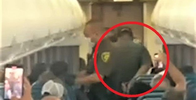 Hawaiian Air Flight Attendant Released After Being Punched by Passenger 7