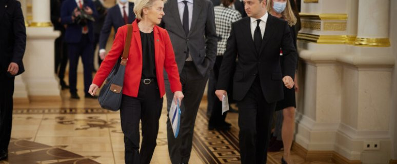 Ukraine and the European Union sign Open Skies treaty 1