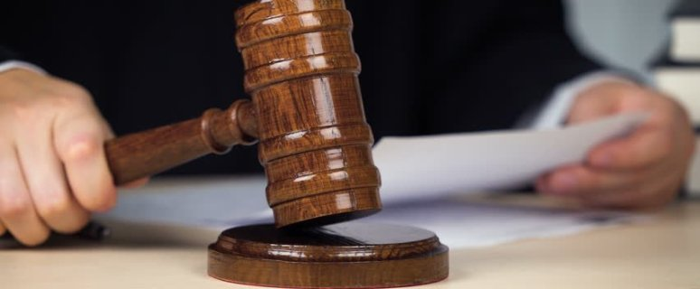 Federal judge halts United Airlines COVID-19 vaccine mandate 1