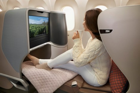 Singapore-Airlines-787-10-Business-Class-1