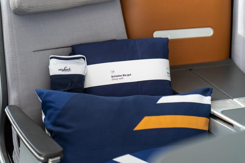 New-Lufthansa-Bedding