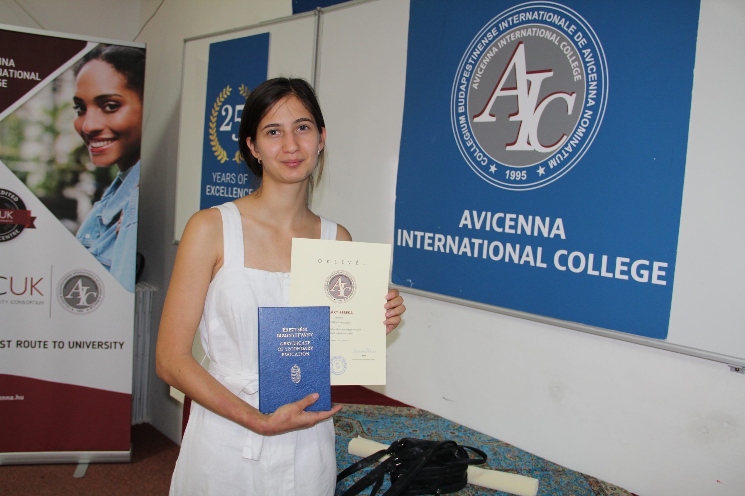 AIC High-School-Érettségi