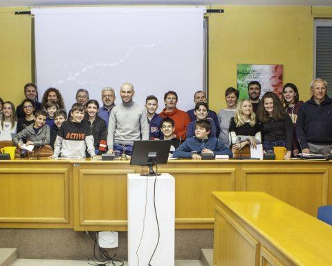 Il nuovo Ccrr insieme al sindaco di Avigliana Andrea Archinà, agli assessori e ai consiglieri comunali.