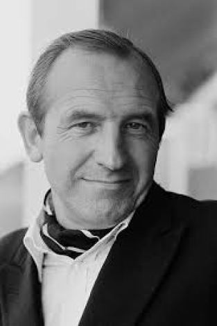 Leonard Rossiter star of The Fall and Rise of Reginald Perring