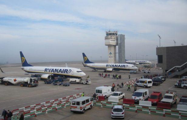 Aviones Ryanair Aeropuerto Girona