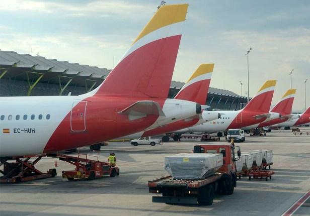 Colas aviones de Iberia, aerolínea de IAG