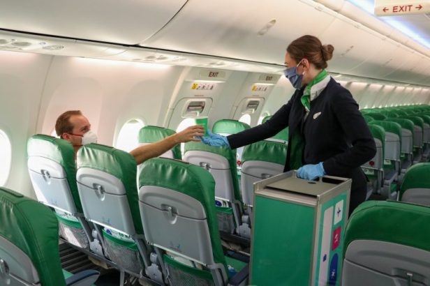 Servicio a bordo de Transavia durante la pandemia de Coronavirus Covid-19