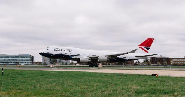 Boeing 747 de British Airways con la librea de Negus despegando de Londres Heathrow por ultima vez Farewell flight en su vuelo de despedida