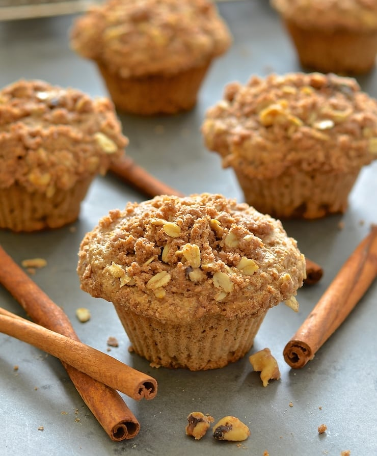 Deliciously soft & fluffy vegan apple muffins topped with an irresistibly crumbly, cinnamony, streusel topping.