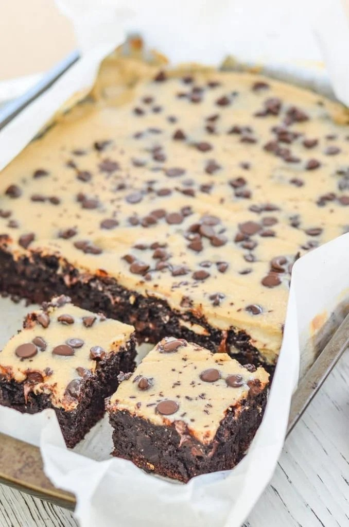 A tray of Fudgy Chocolate Brownies with Cheesecake Topping.
