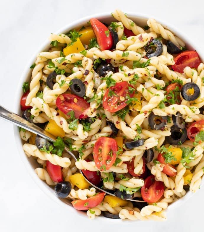 Easy Summer Pasta Salad - exclusive recipe bundle - vegan comfort cooking - melanie mcdonald