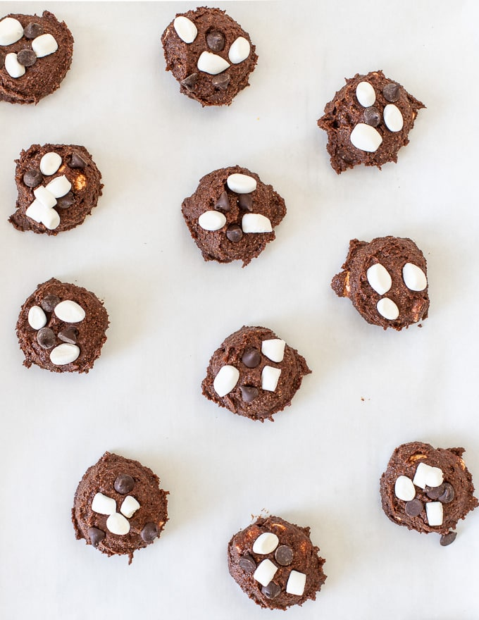 unbaked chocolate marshmallow cookies