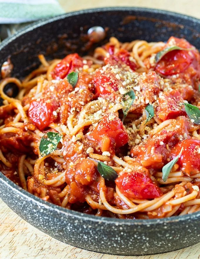How to make pasta sauce thicker without tomato paste