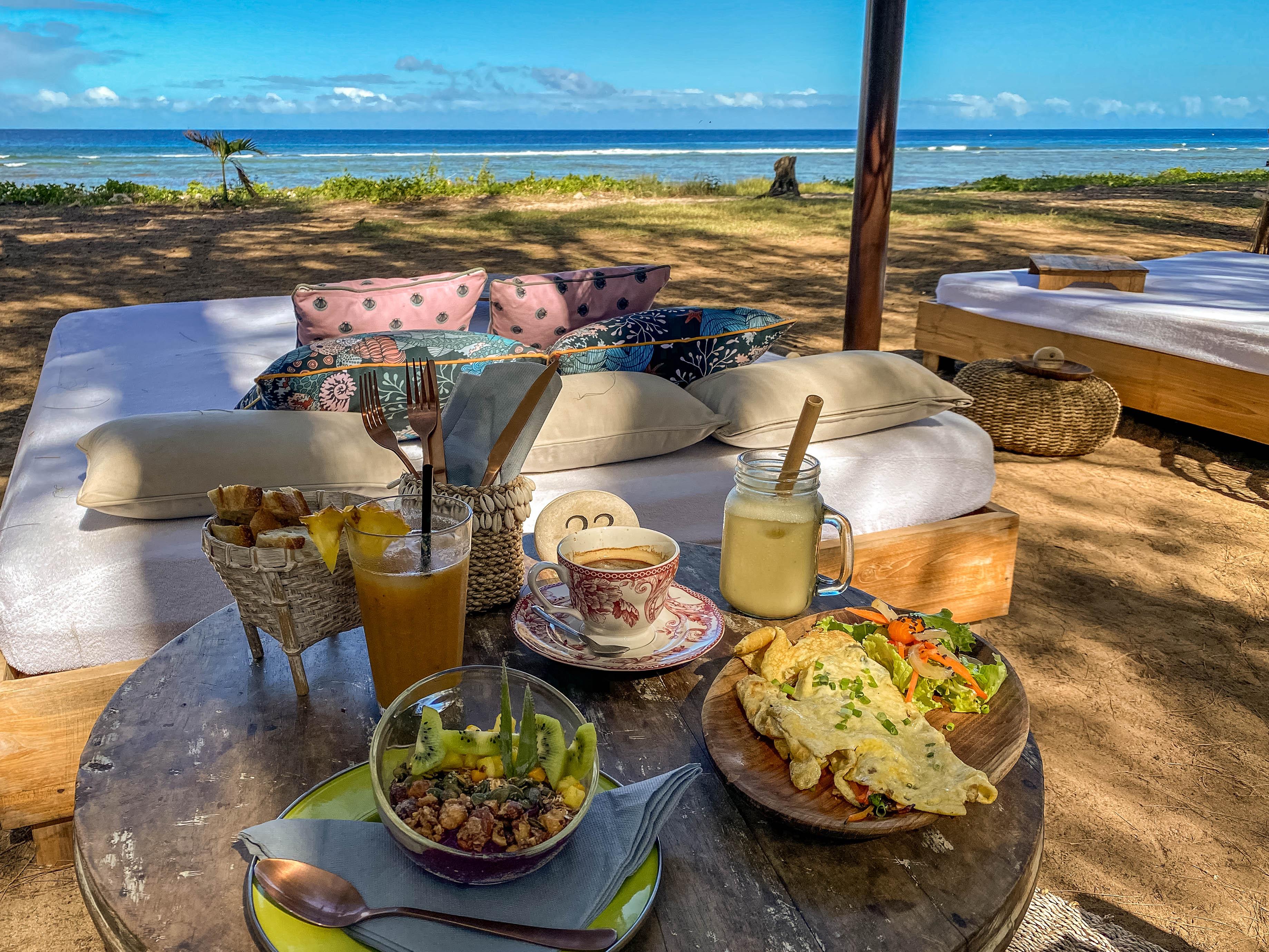 TOP 3 des restos où prendre le petit-déjeuner sur la plage à La Réunion