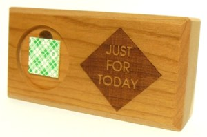 just-for-today-4-inch-wood-display-medallion-holder