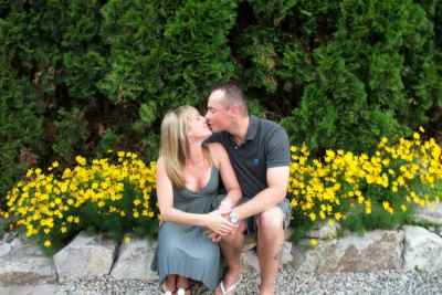 There are Many Photo Ops for Couples on the Meticulously Landscaped Grounds at A Vista Villa Couples Retreat in Kelowna, BC