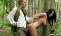 رابین هود با شرکت دنی دی و سکس در جنگل