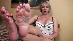 پاهای زندایی ام