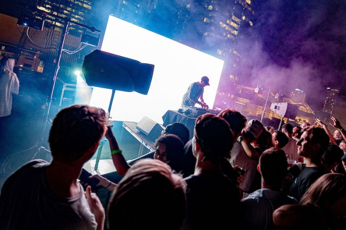 L-Acoustics A Series sings on Nashville rooftop