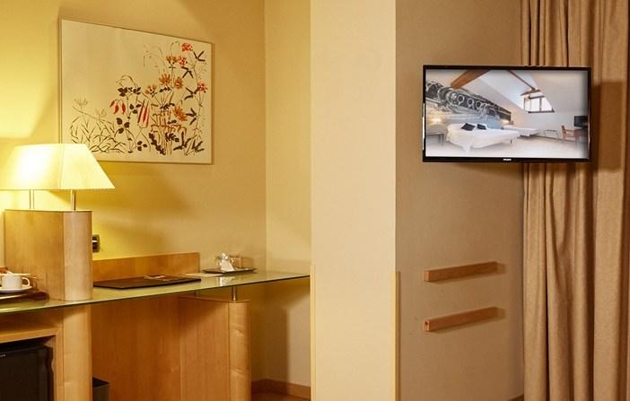 hotel room display
