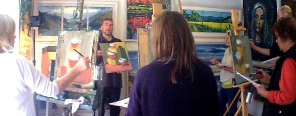 Rod's explains his painting course.