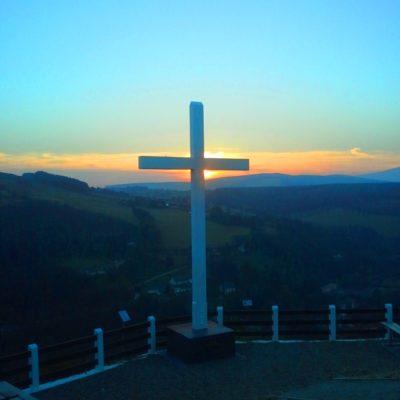 Stunning sunset behind the Mines Cross.