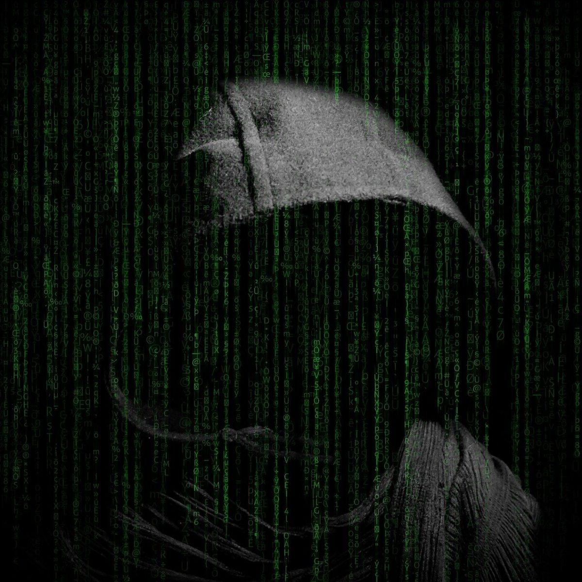 avocat en protection des données luttant contre un hacker