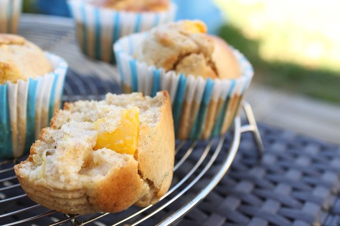 Muffins citron, nectarine et basilic