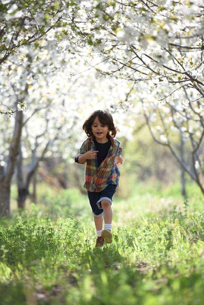Course à pied- un enfant qui coure