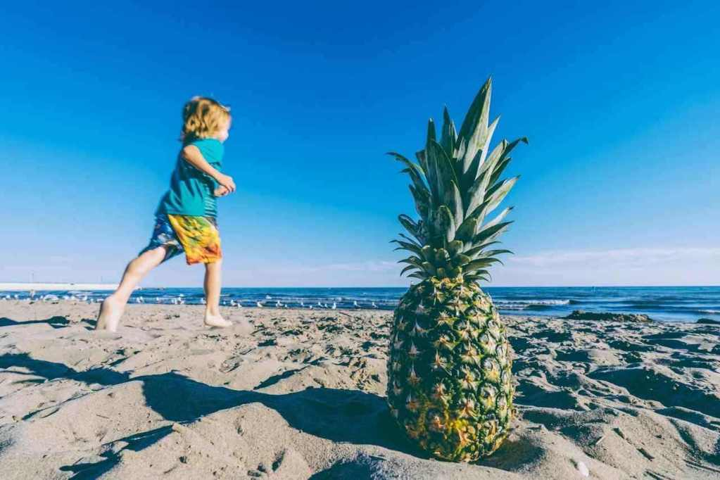 course à pied- l'enfant sur le sable