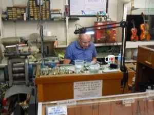 Victor Torres has over two decades of jewelry repair experience.