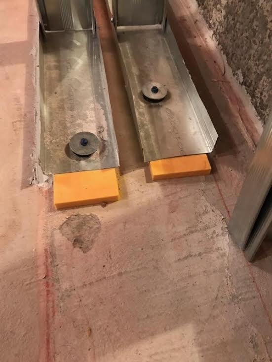 Double wall bottom isolation plates