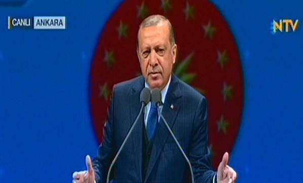 erdogan-muhtarlara-sesleniyor-2793439